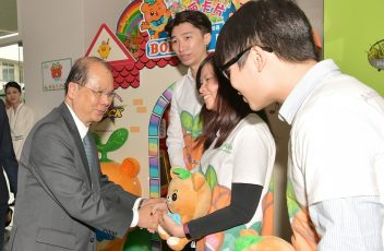 張建宗:政府重點推動創科促青年人向上流